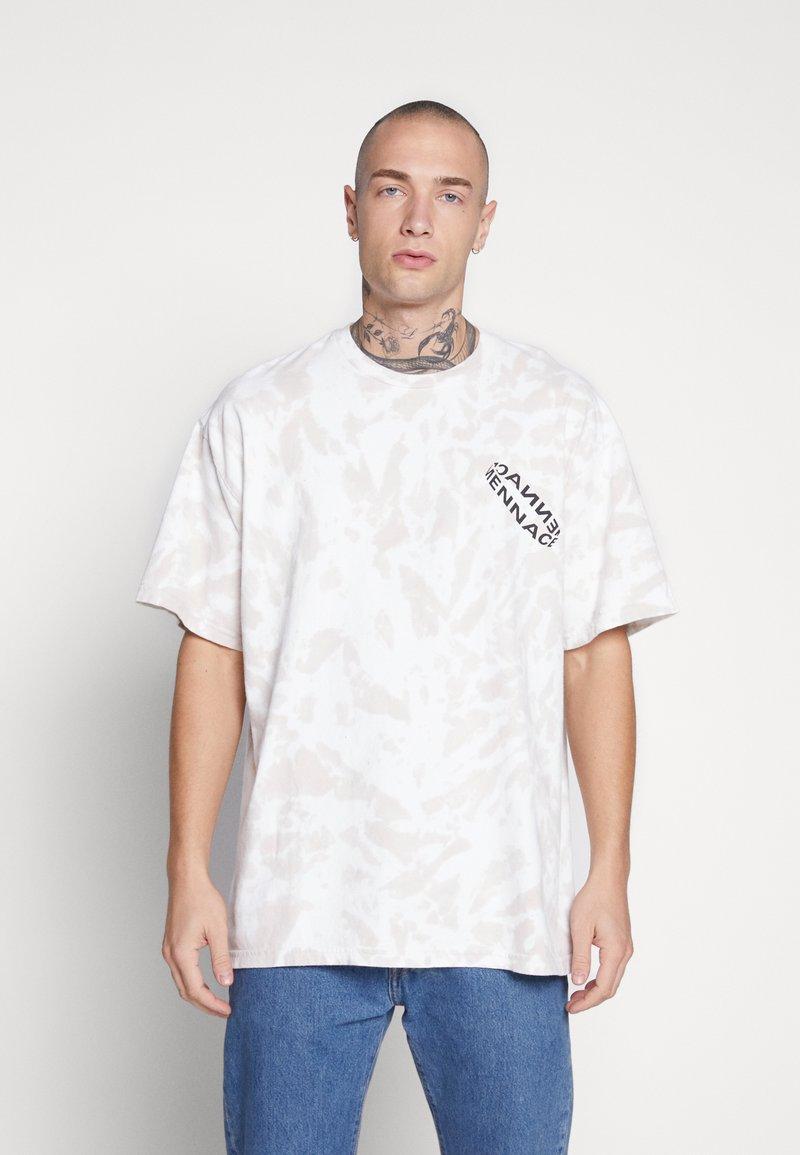 Mennace - ROTATION BACK TIE DYE - T-shirt con stampa - biege