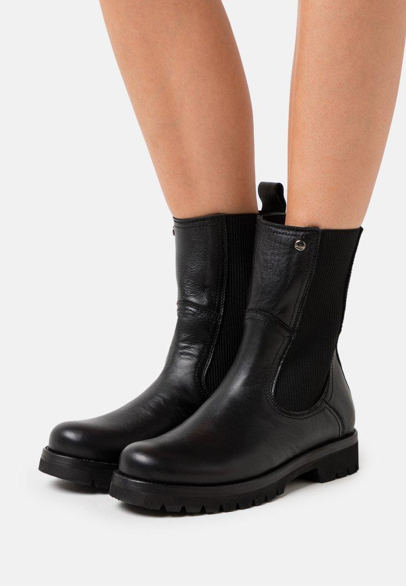 Panama Jack - FLORENCIA - Kotníkové boty - black