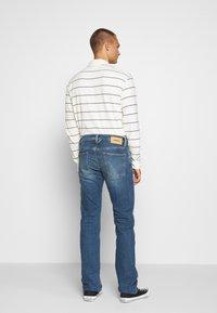 Diesel - LARKEE-X - Straight leg jeans - indigo - 2