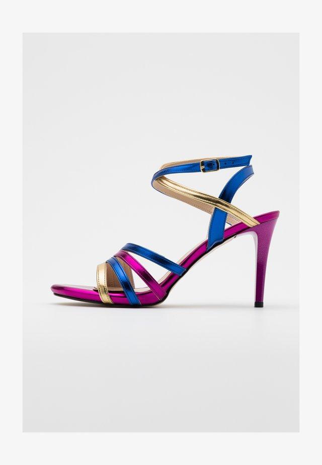 Sandales à talons hauts - çok renkli