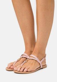 New Look - HOOPER - Flip Flops - light pink - 0