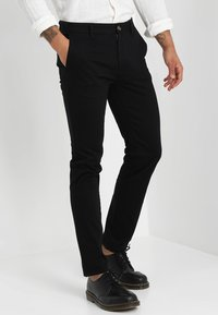 Burton Menswear London - Pantalones chinos - black - 0