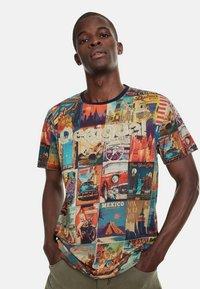 Desigual - ERENESTO - Print T-shirt - blue - 0