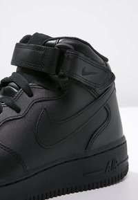 Nike Sportswear - AIR FORCE 1 MID '07 - Korkeavartiset tennarit - black - 5