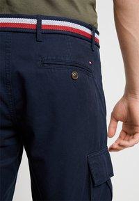 Tommy Hilfiger - JOHN BELT - Shorts - blue - 5