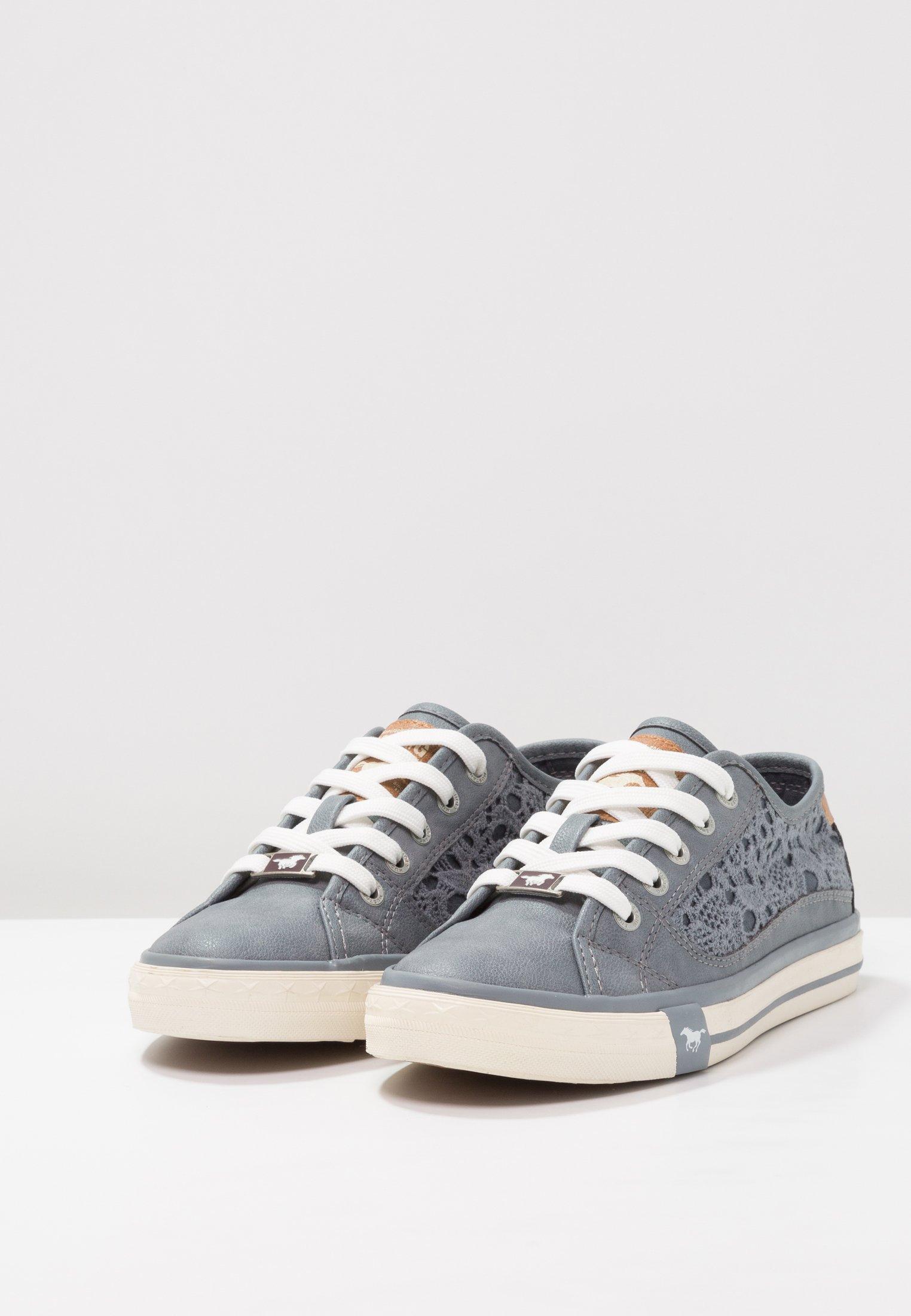 Sneaker low sky