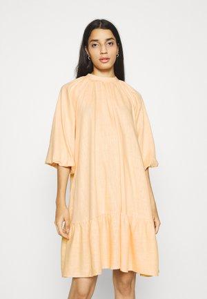 YASIRINAS 3/4 MIDI DRESS  - Day dress - peach quartz