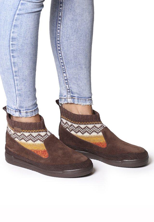 GIGI-AF - Boots à talons - marro
