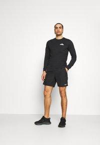 Nike Performance - DRY TEE TRAIL - Camiseta de manga larga - black - 1