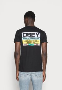 Obey Clothing - BUILT TO LAST - Printtipaita - black - 2