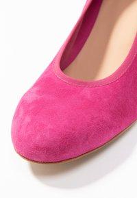 PERLATO - Classic heels - fuxia - 2