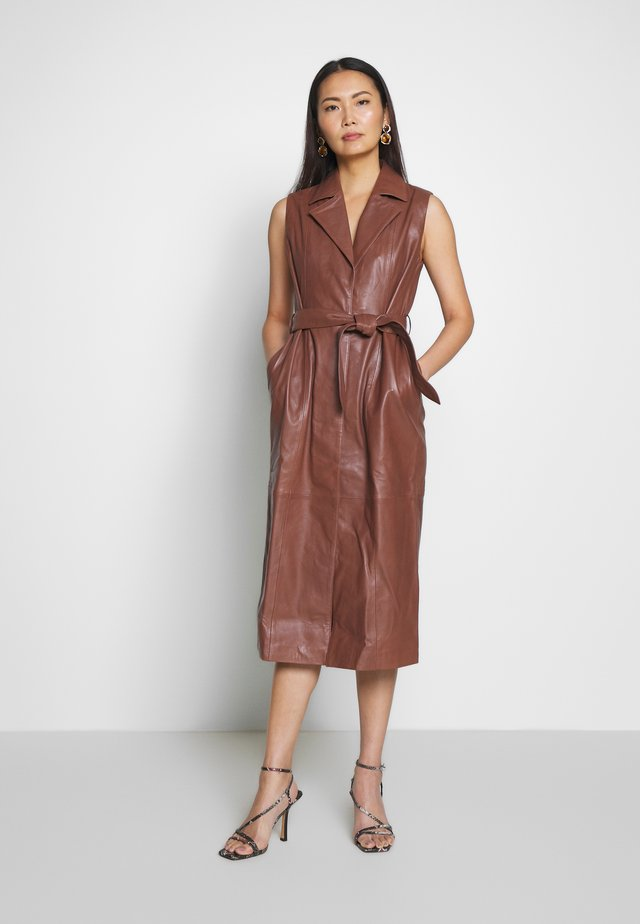 JADEY - Day dress - brown