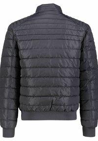 Tommy Hilfiger - Winter jacket - marine - 4