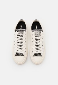 Converse - CHUCK TAYLOR ALL STAR PRINT - Trainers - egret/black - 5