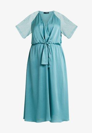 EXCLUSIVE SACHITA MAXI - Cocktail dress / Party dress - native green