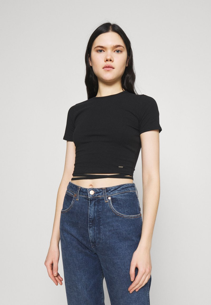 Hollister Co. - STRAPPY WRAP TEE - Basic T-shirt - black
