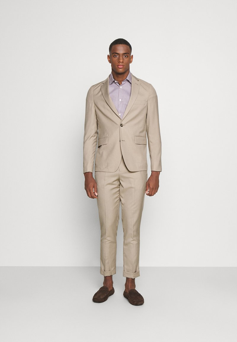 Isaac Dewhirst - THE SUIT - Kostym - beige