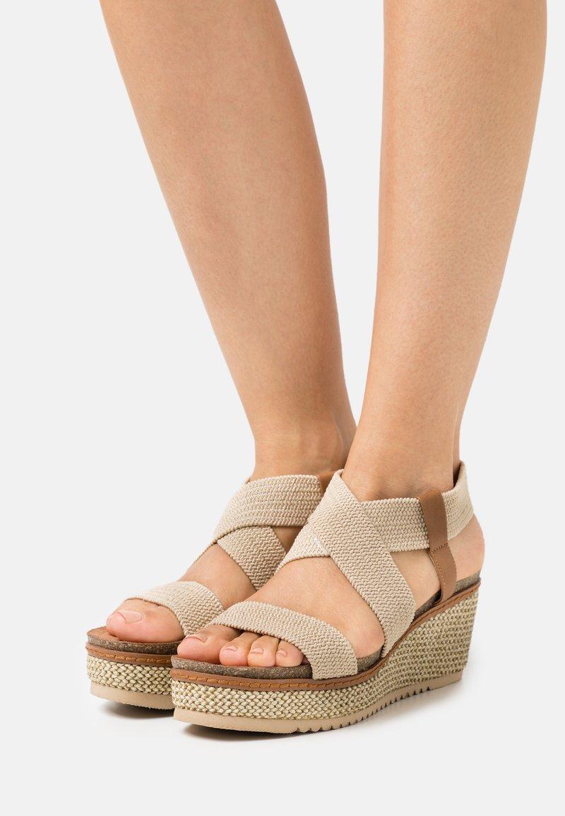 Refresh - Sandales à plateforme - beige