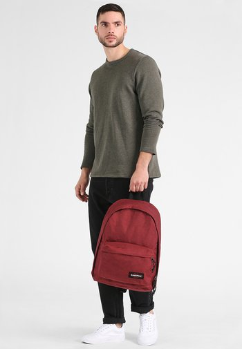 OUT OF OFFICE - Rucksack - crafty wine