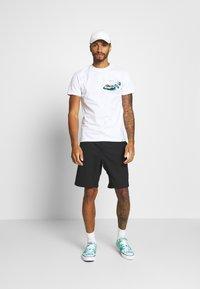 Scotch & Soda - ISLAND SOUVENIR TEE - Print T-shirt - combo - 1