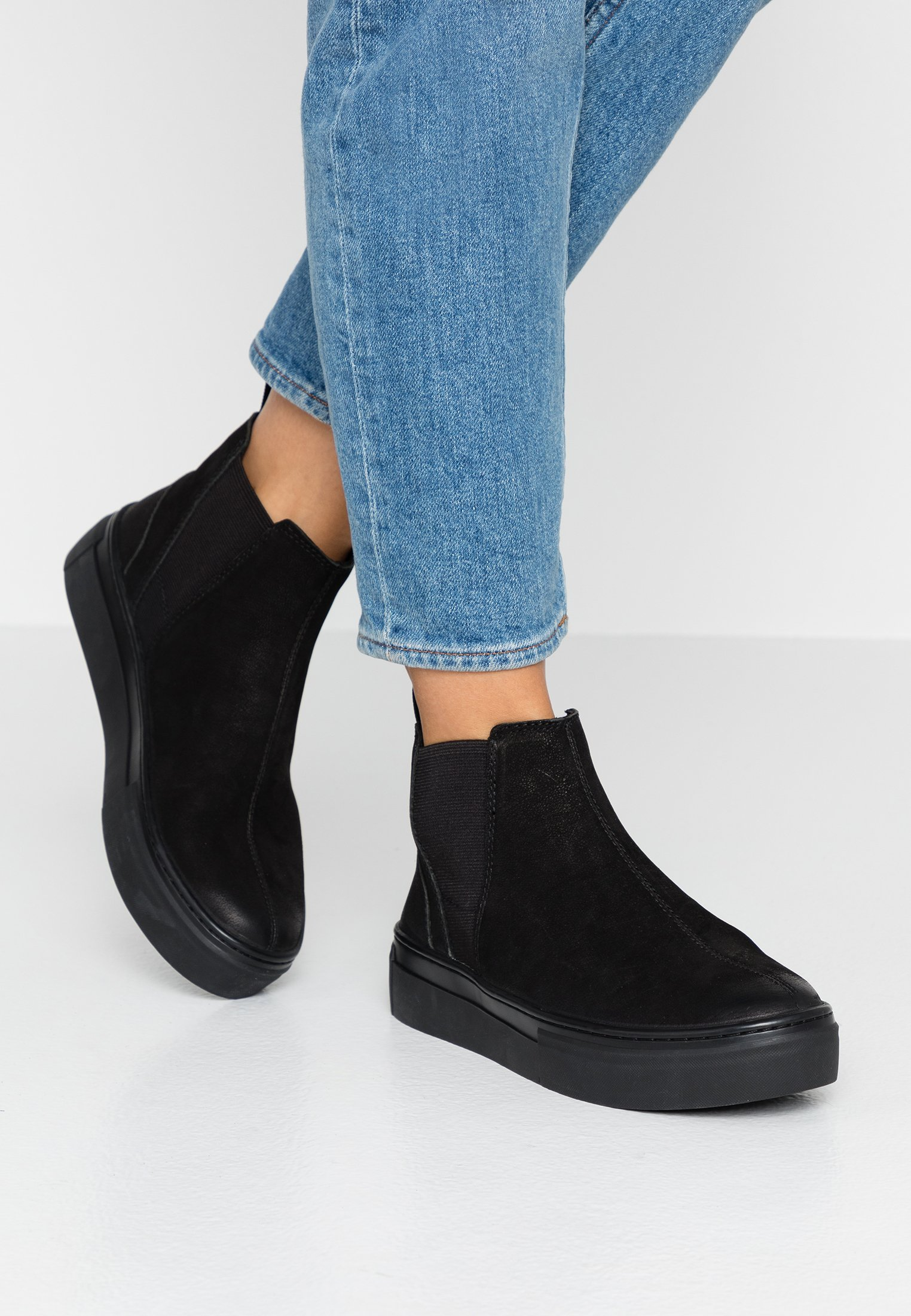 Womens Vagabond Amina svart läder Brogue Casual Chelsea