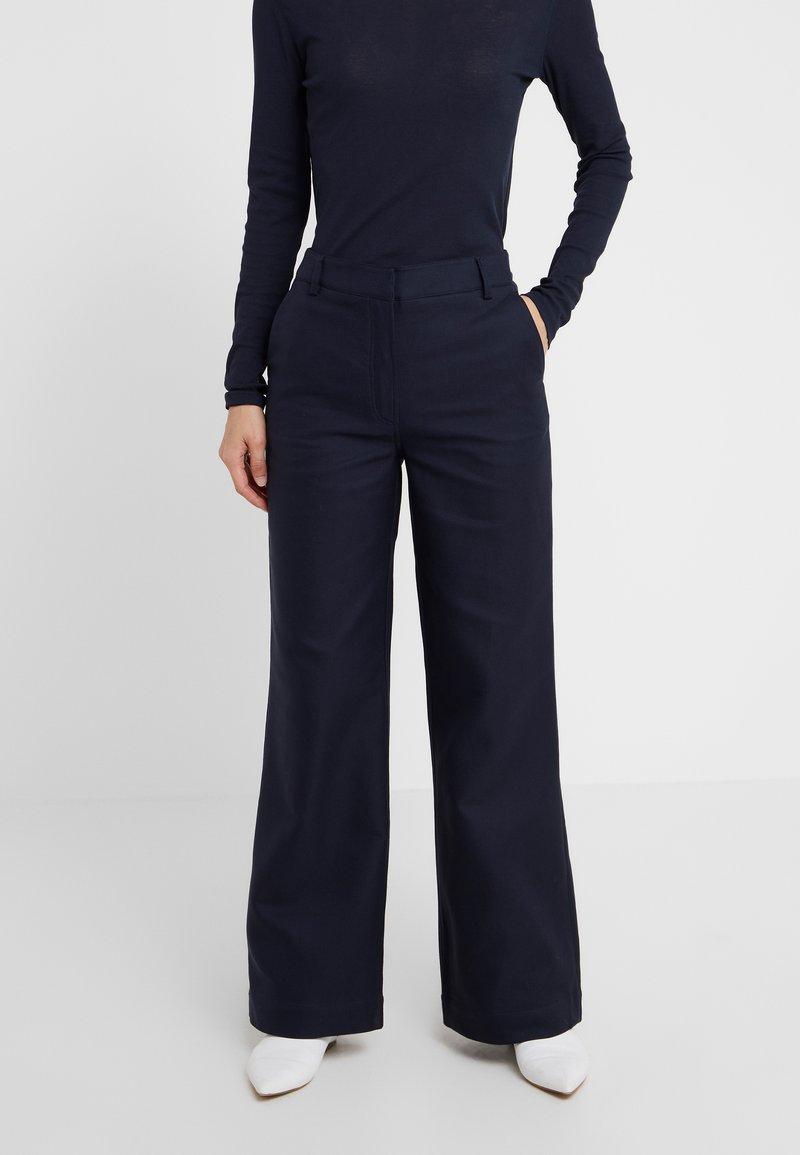 DESIGNERS REMIX - LETTA PANTS - Pantalon classique - navy
