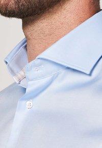 PROFUOMO - SLIM FIT - Formal shirt - licht blauw - 2