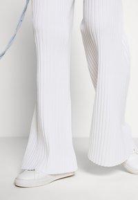 MRZ - TROUSERS - Kalhoty - white - 4