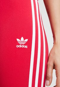adidas Originals - BELLISTA 3 STRIPES TIGHT - Leggings - Hosen - energy pink - 4
