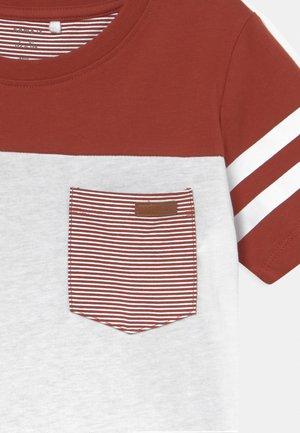 NKMLACKSCHOOL - T-shirt print - bright white
