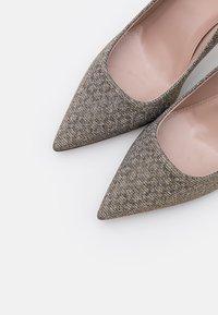 HUGO - INES - High heels - silber - 6