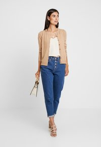 Zalando Essentials - Cardigan - camel - 1