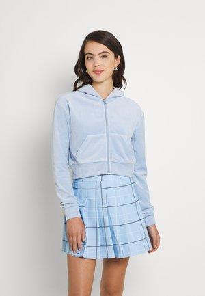 JUNO ZIP HOODIE - Sweater met rits - light blue