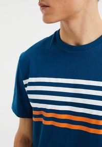WE Fashion - Print T-shirt - navy blue - 4