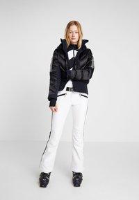 Toni Sailer - ROSALIE - Bluza z polaru - black - 1
