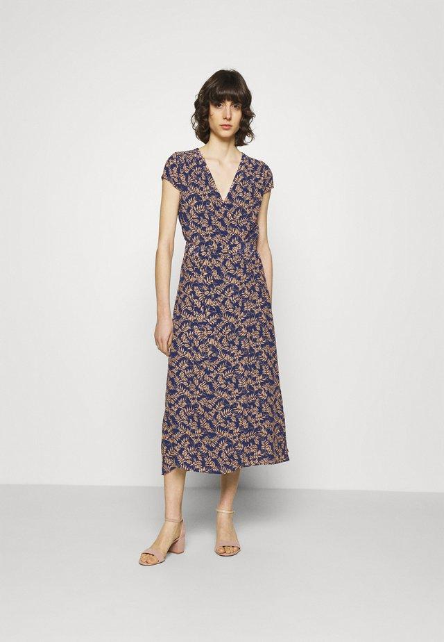 MARGUERITE - Denní šaty - dusty ink fern