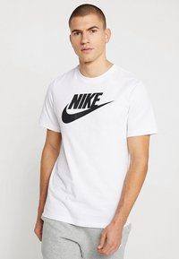 Nike Sportswear - TEE ICON FUTURA - T-Shirt print - white/black - 0