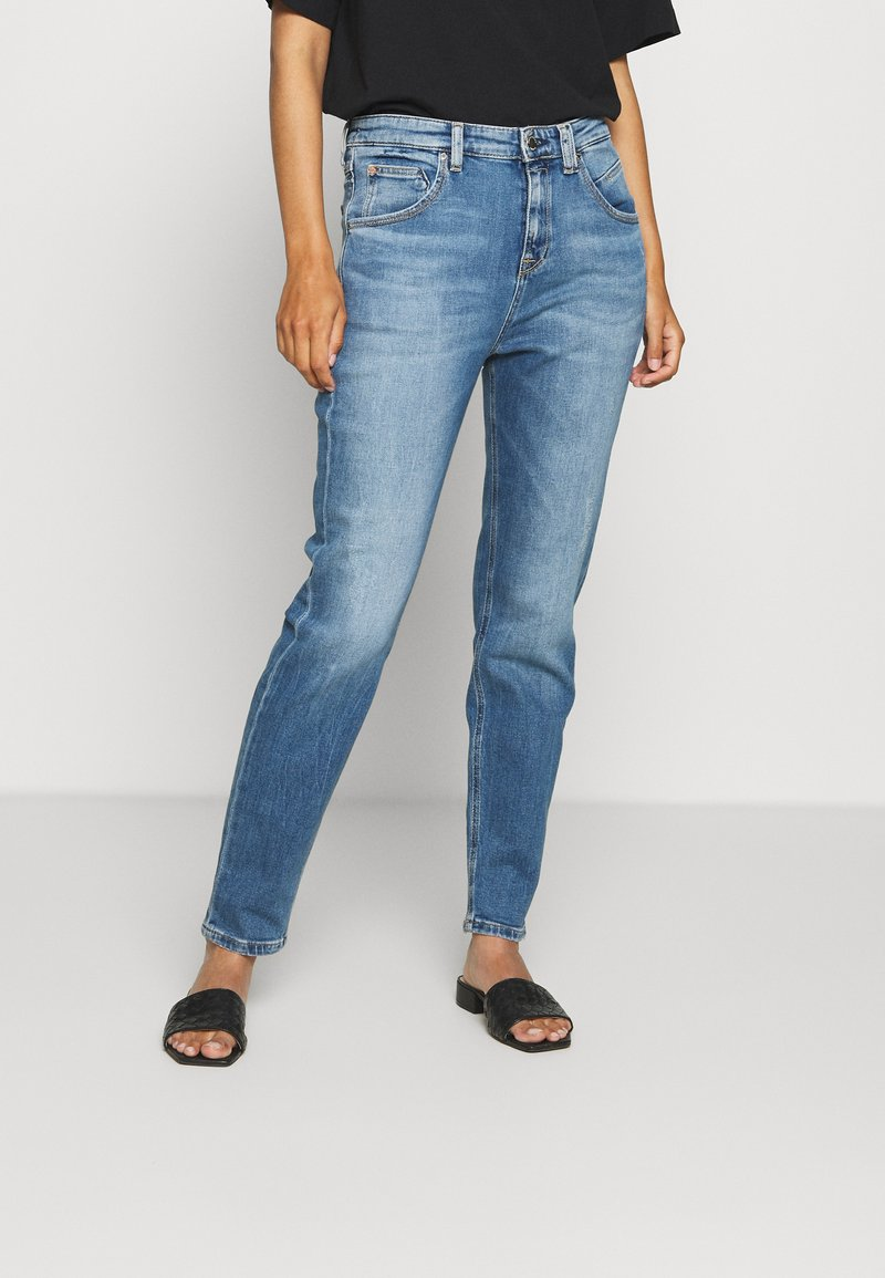 Marc O'Polo DENIM - FREJA BOYFRIEND - Relaxed fit jeans - multi/mid blue marble