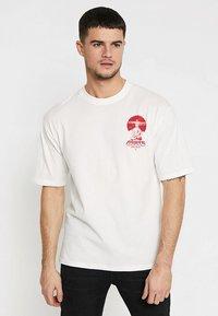 Only & Sons - ONSJAKO BOXY TEE  - Print T-shirt - white - 2