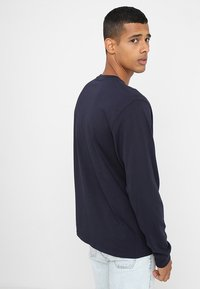 Carhartt WIP - POCKET  - Long sleeved top - dark navy - 2