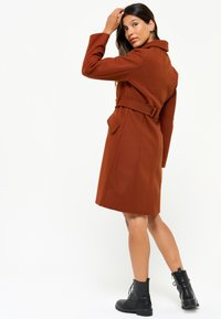 LolaLiza - WITH BELT - Trenchcoat - red - 2