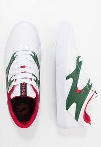 DC Shoes - KALIS VULC - Skate shoes - white/red - 1