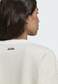 adidas Originals - Sweatshirt - off white mel - 5