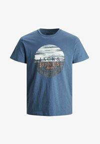 Jack & Jones Junior - JUNGS PINSELSTRICH - Print T-shirt - ensign blue - 4