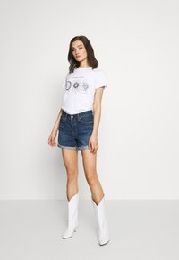 Noisy May - NMNATE SIGNS - T-shirt con stampa - bright white - 1