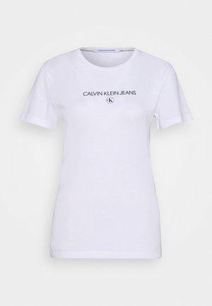ROUND TEE - T-shirts med print - white