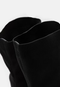 Nly by Nelly - THIGH HIGH BOOT - Boots med høye hæler - black - 5