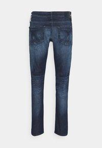 Calvin Klein Jeans - SLIM - Slim fit jeans - denim dark - 6