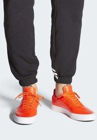 adidas Originals - SABALO SHOES - Sneakers - orange - 1