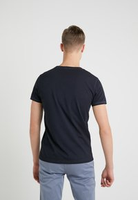 BOSS CASUAL - TROY - Jednoduché triko - dark blue - 2